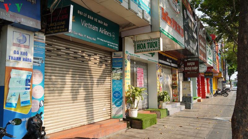 Kiến nghị những địa phương có nguy cơ cao như Hà Nội, TP HCM... cần tiếp tục áp dụng cách li xã hội sau ngày 15/4 - Ảnh 1.
