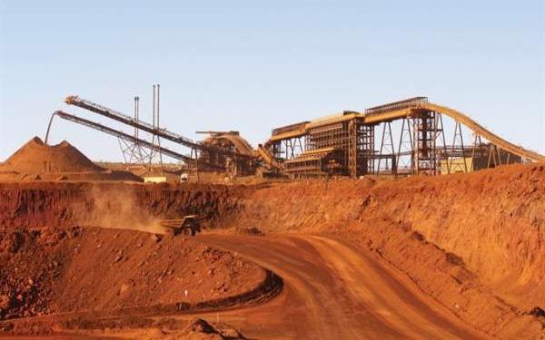 Giá thép xây dựng hôm nay (17/4): Giá quặng sắt giảm trước triển vọng kinh tế mờ nhạt - Ảnh 1.
