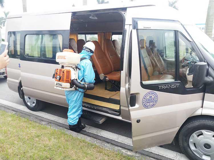 Phương án vận chuyển hành khách trong dịch COVID-19: Xe khách được đi lại giữa các tỉnh có nguy cơ thấp - Ảnh 1.