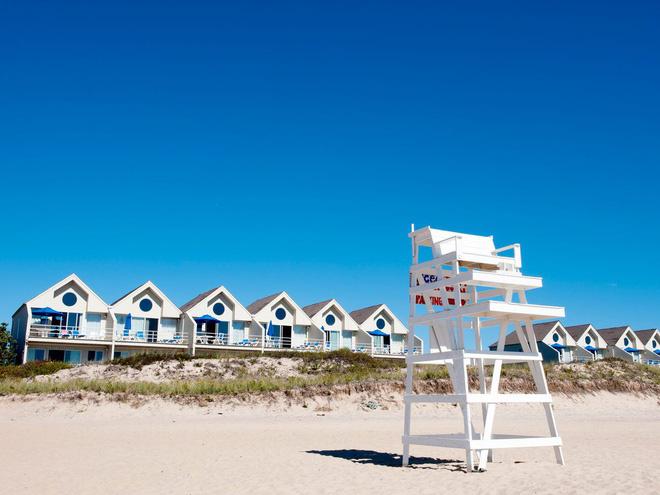 Giới siêu giàu Âu - Mỹ thuê toàn bộ resort, khách sạn để tự cách ly - Ảnh 2.