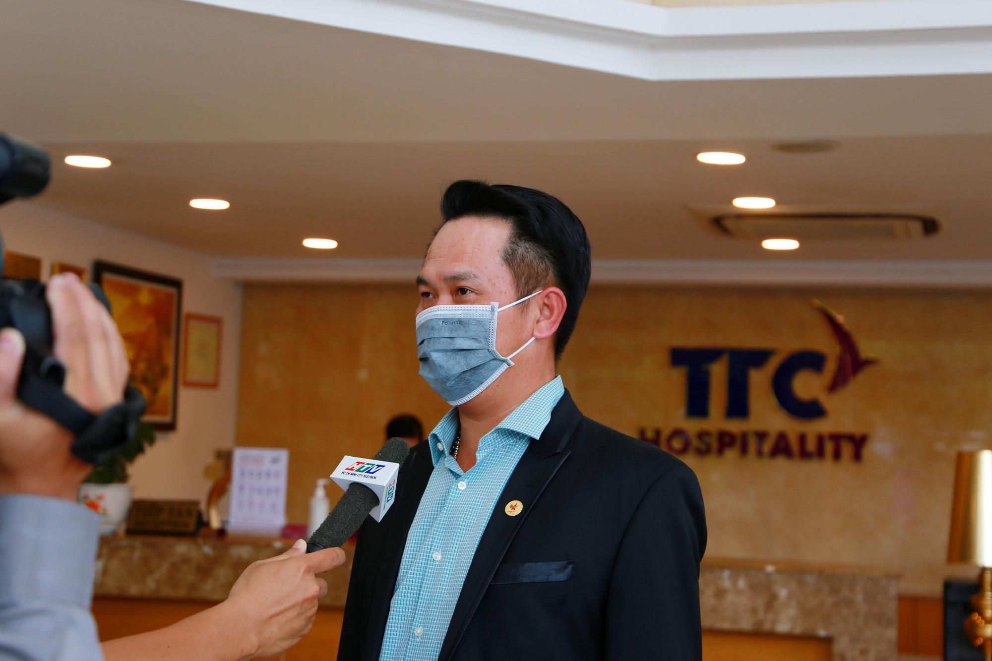 Chống dịch COVID-19: Tập đoàn TTC dành khách sạn 52 phòng cho các y bác sỹ đến cách li - Ảnh 2.