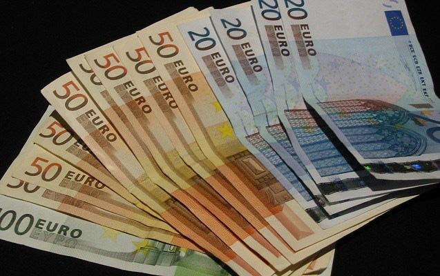 Tỷ giá đồng Euro hôm nay 2/4: Giá Euro ngân hàng tiếp tục xu hướng giảm - Ảnh 1.