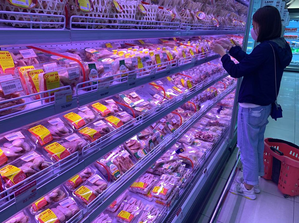 Vì sao lợn hơi giảm mà giá thịt lợn vẫn cao? - Ảnh 1.