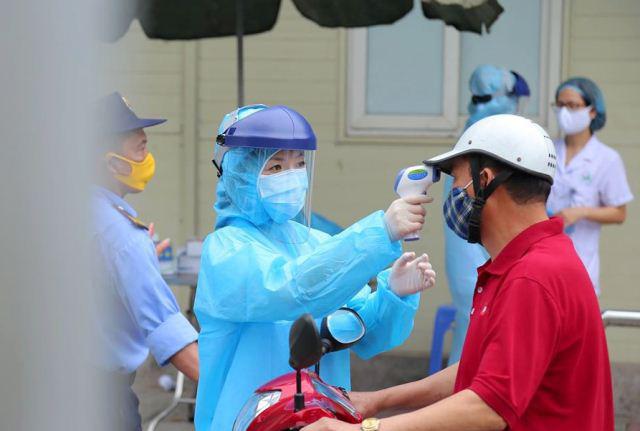 Khẩn: Lịch trình di chuyển của bệnh nhân số 237, những người đã đến những nơi này cần liên hệ y tế ngay - Ảnh 1.