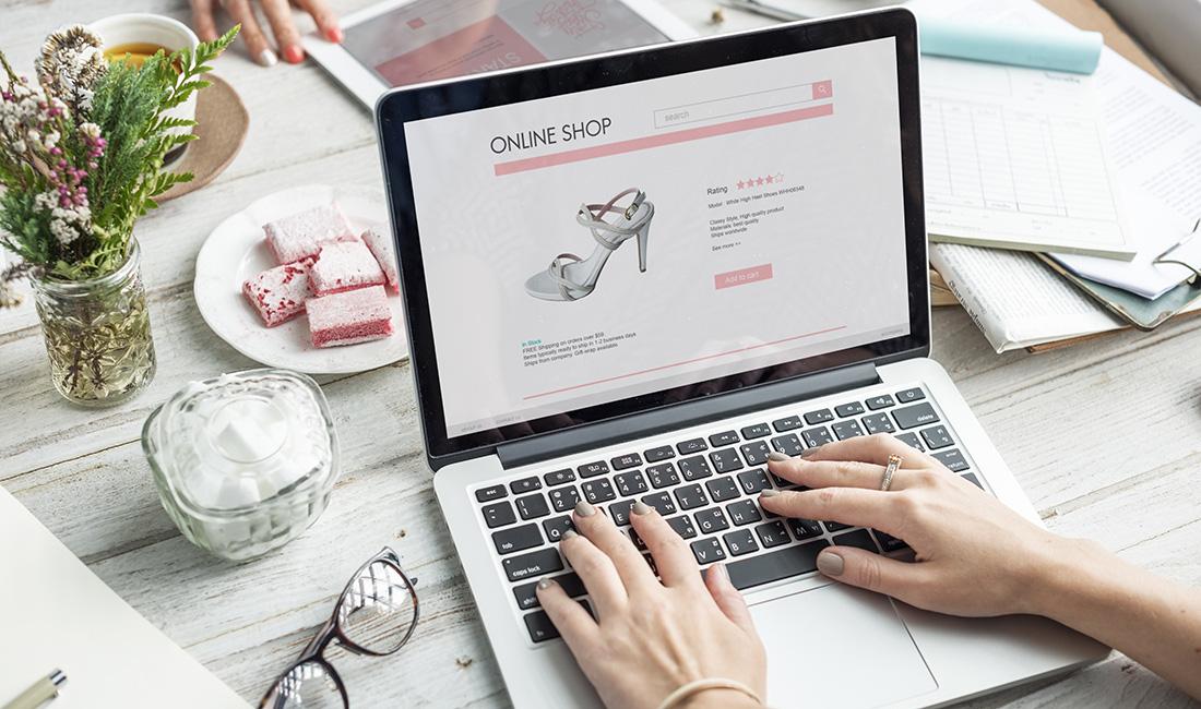 Làm việc tại nhà thời COVID-19: Làm sao để không tốn tiền mua sắm online? - Ảnh 1.
