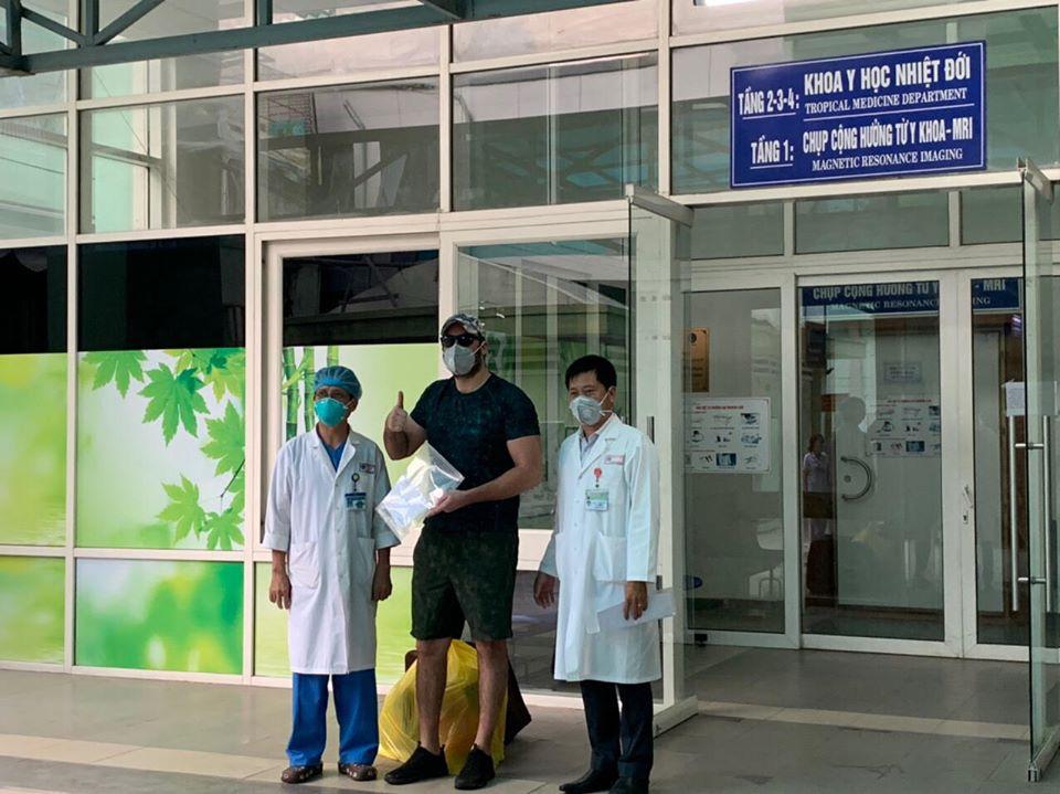 Thêm 5 bệnh nhân COVID-19 khỏi bệnh, nâng tổng số ca chữa khỏi tại Việt Nam lên 90 - Ảnh 1.