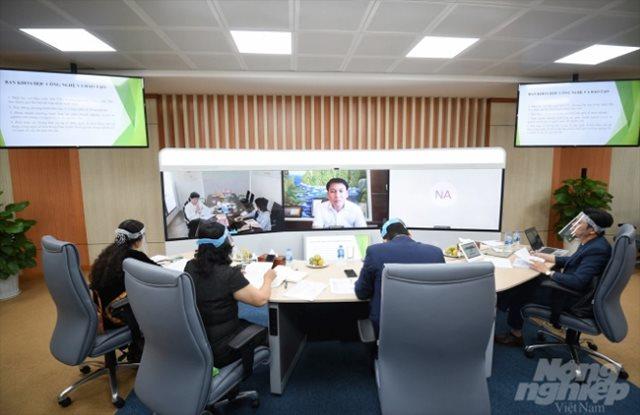 Chủ tịch FPT Trương Gia Bình: COVID-19 là cơ hội tốt để doanh nghiệp nông nghiệp ứng dụng công nghệ số - Ảnh 1.