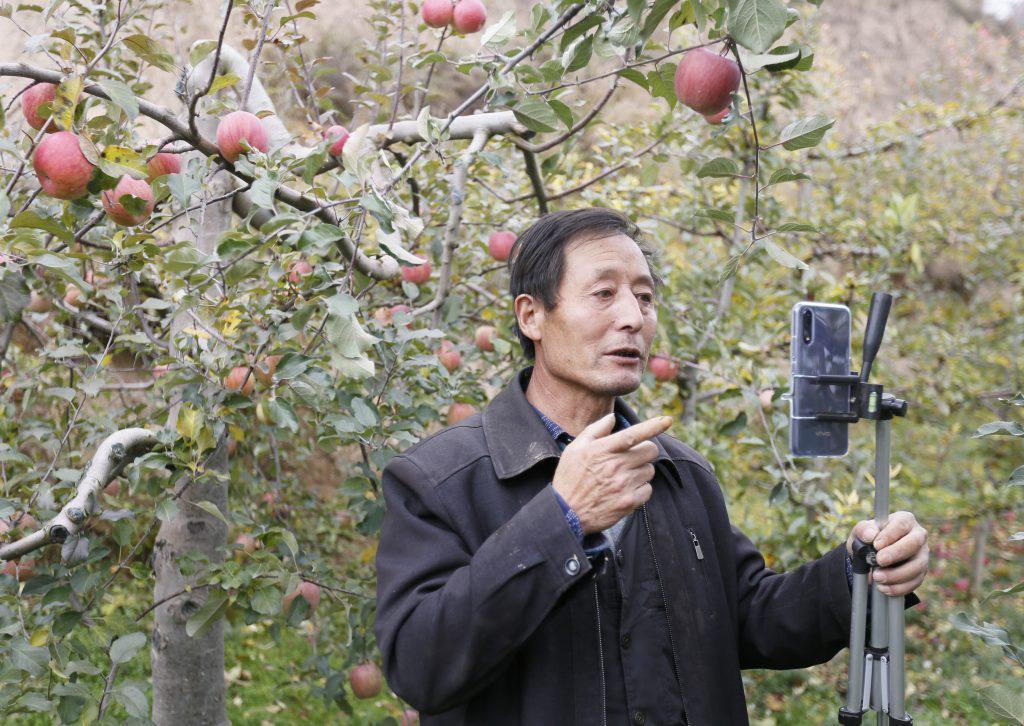 Doanh nghiệp thương mại điện tử Trung Quốc 'giải cứu' nông sản Hồ Bắc sau phong tỏa - Ảnh 1.