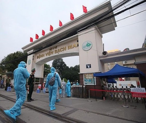 Đã rà soát, cách li toàn bộ hơn 52.000 người dân đã từng đến Bệnh viện Bạch Mai - Ảnh 1.