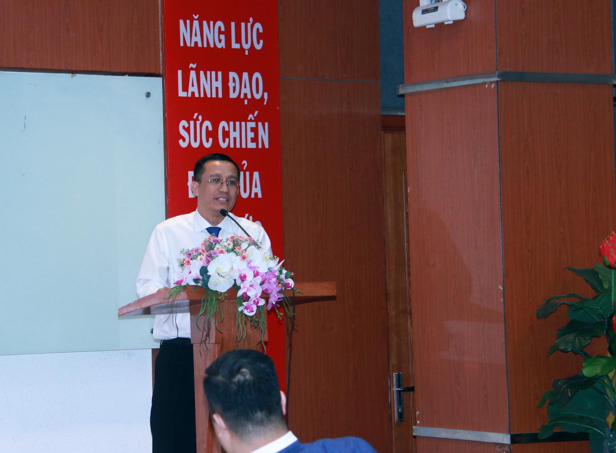 Con đường sự nghiệp hơn 20 năm nghiên cứu, giảng dạy, làm việc tại các ngân hàng trong và ngoài nước của Tiến sĩ Bùi Quang Tín - Ảnh 2.
