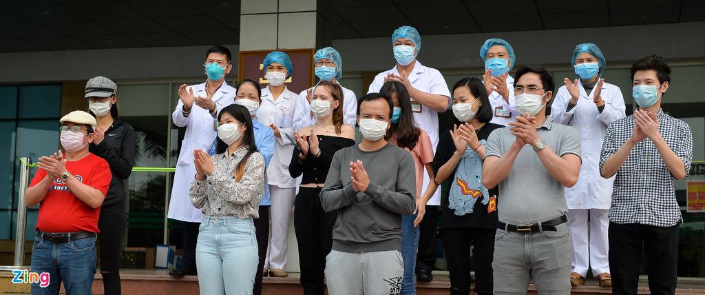 Nữ y tá Pháp mắc COVID-19: 'Ở Việt Nam, tôi được chăm sóc và điều trị' - Ảnh 9.