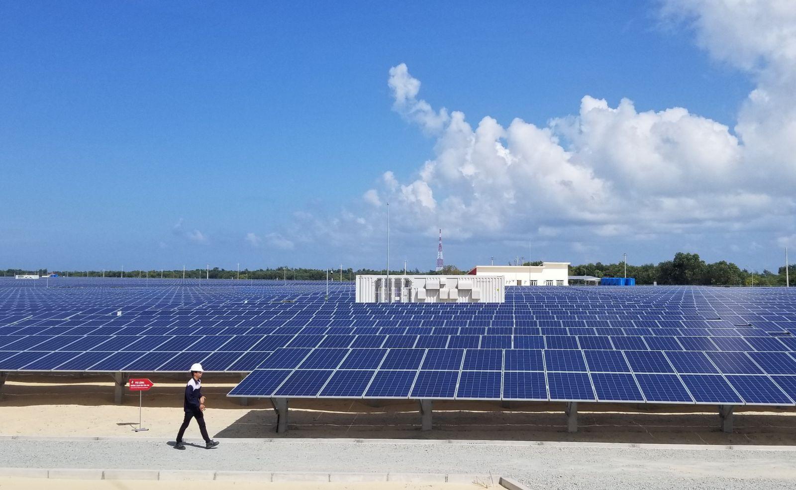 Công ty năng lượng Thái Lan có thể đầu tư tới 457 triệu USD vào 4 dự án điện mặt trời tại Bình Phước - Ảnh 1.