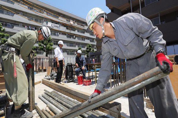 Doanh nghiệp xuất khẩu lao động 'bất động' trong đại dịch - Ảnh 1.