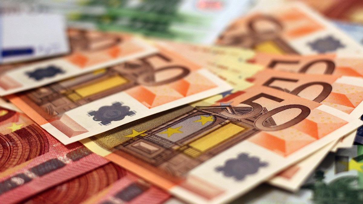 Tỷ giá đồng Euro hôm nay 7/4: Giá Euro giảm tại nhiều ngân hàng - Ảnh 1.