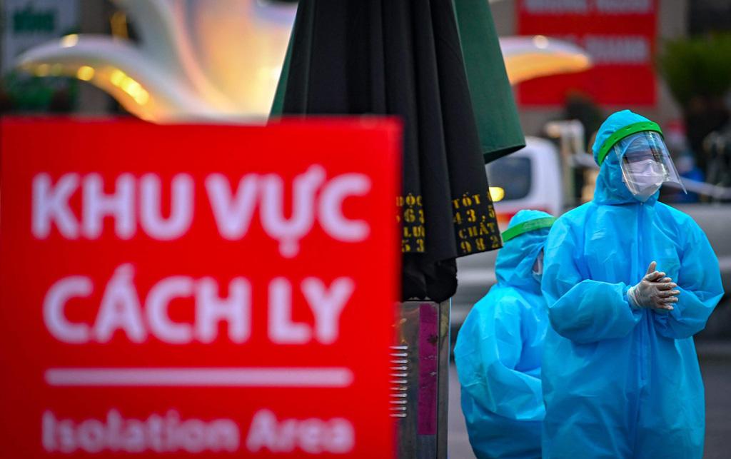 Chủ tịch Hà Nội nói về 'lỗ hổng nguy hiểm' từ ca bệnh 243 - Ảnh 2.
