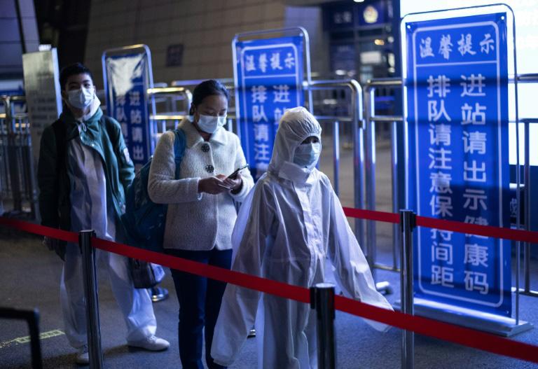 Cập nhật tình hình dịch virus corona ngày 8/4: Pháp cán mốc hơn 10.000 người tử vong, Việt Nam có 251 ca nhiễm - Ảnh 1.