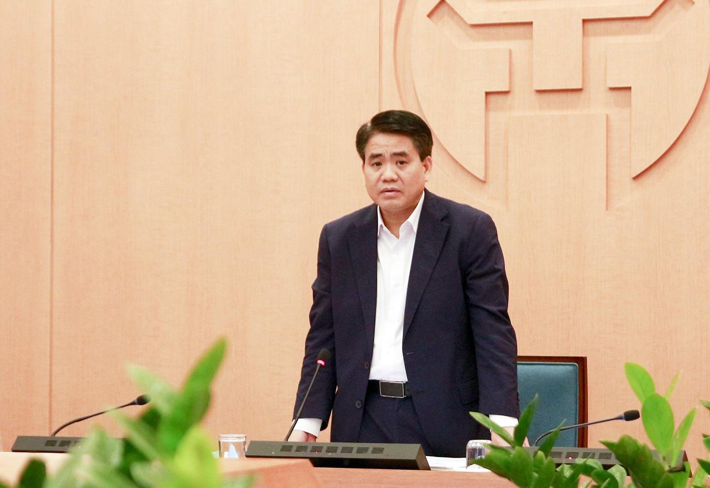 Chủ tịch Hà Nội lo ngại người dân ùa ra đường khi chưa hết cách li xã hội - Ảnh 1.