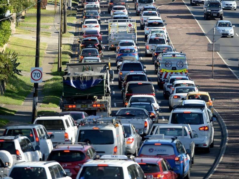 Số vụ tai nạn giao thông giảm vì COVID-19, hãng bảo hiểm trả lại một phần phí cho khách hàng - Ảnh 1.