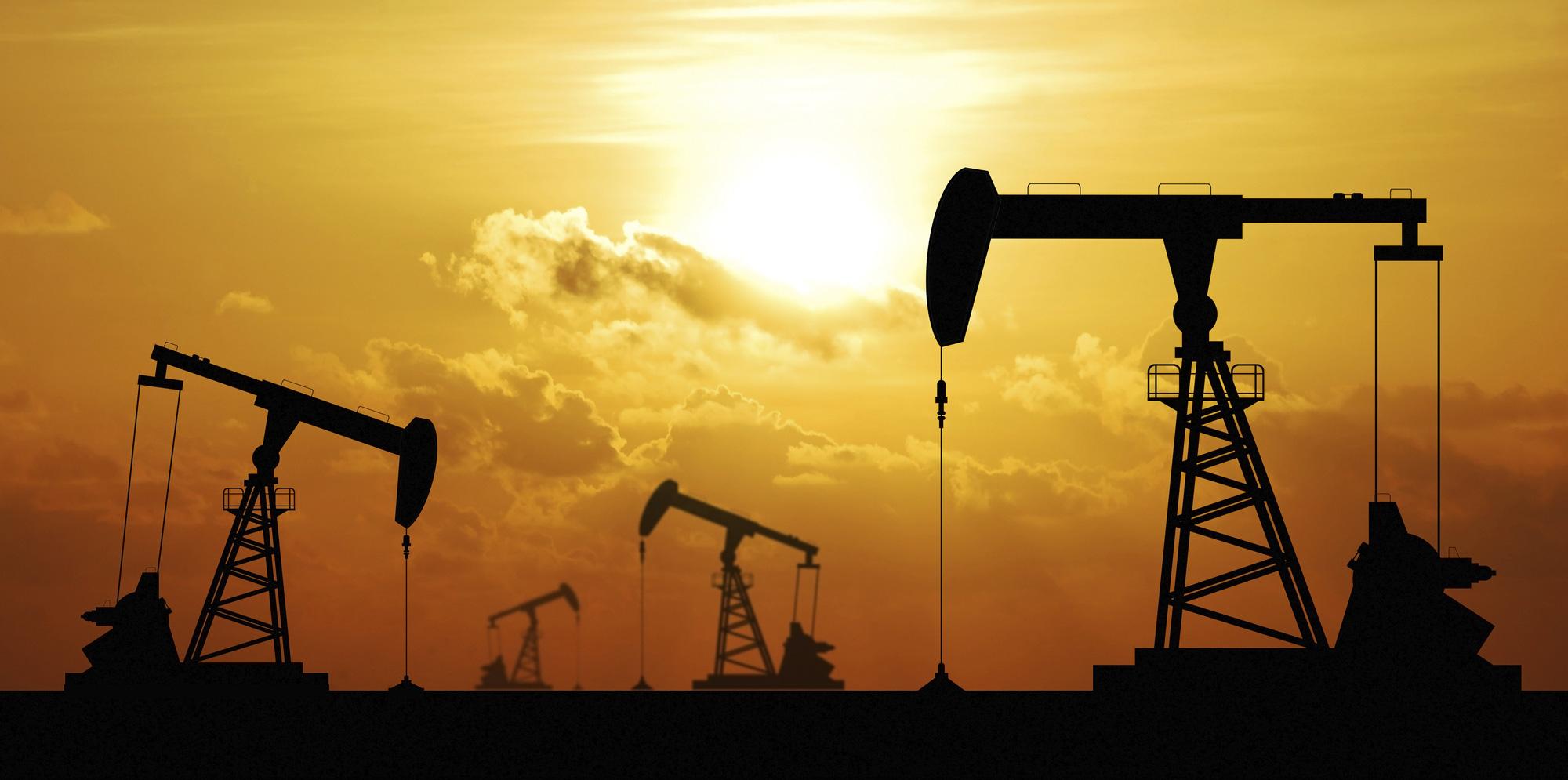 Bản tin năng lượng và kim loại ngày 9/4: Giá dầu phục hồi bất chấp tồn kho dầu thô tại Mỹ tăng kỉ lục - Ảnh 1.