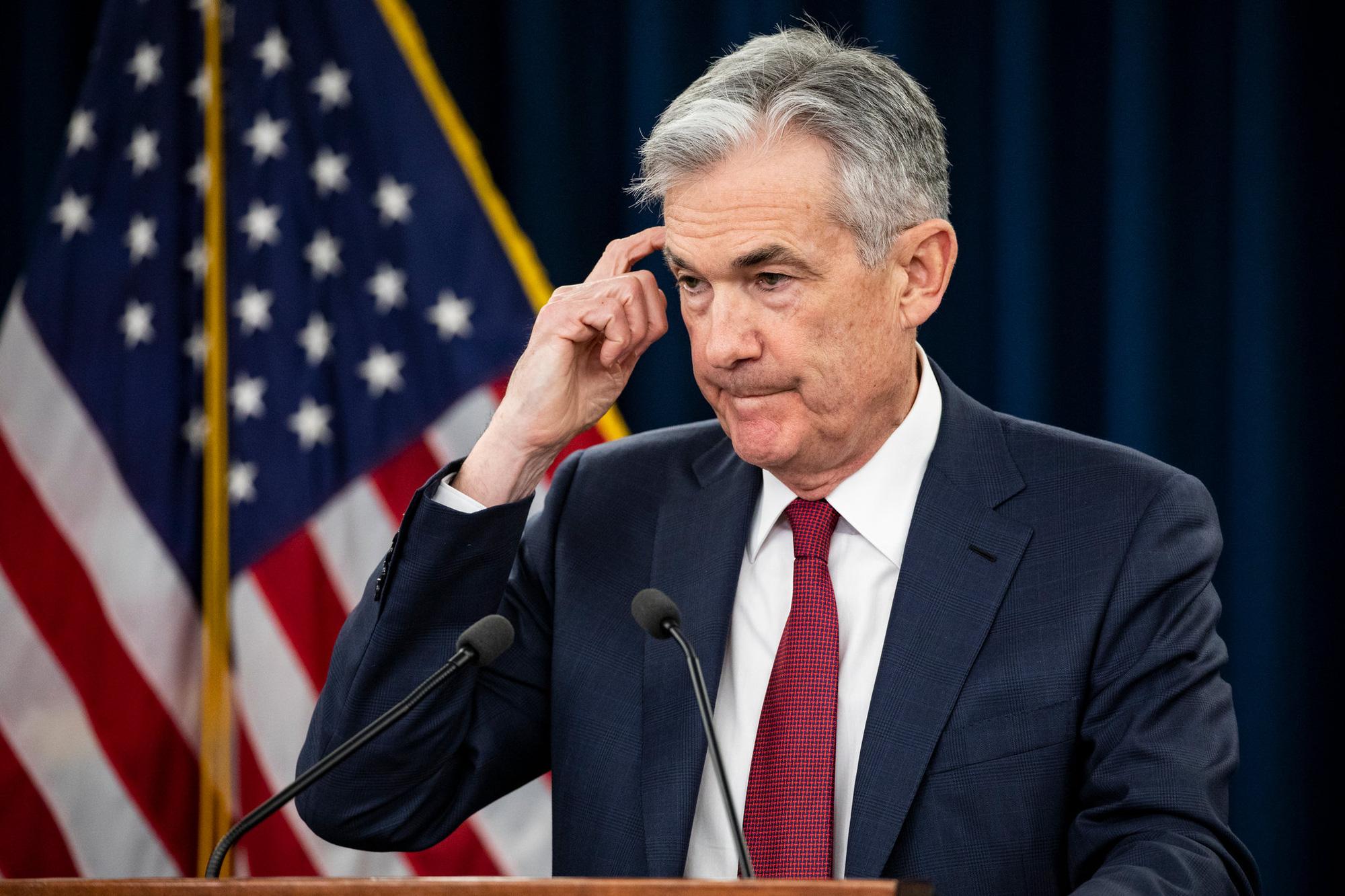 10% lực lượng lao động Mỹ mất việc chỉ trong ba tuần, Fed lên kế hoạch bơm thêm 2.300 tỉ USD vào nền kinh tế - Ảnh 1.
