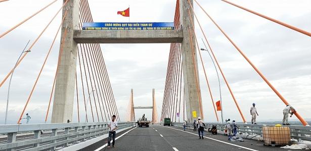 tin tuc thoi su 279 phi cao toc ha long hai phong cao nhat 200000 dongluot metro so 1 tp hcm can them 20500 ty