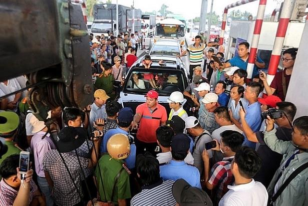 phai dau thau cong khai cong nghe thu phi khong dung o cac tram bot