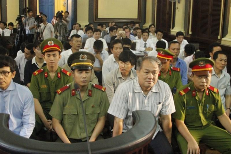 12000 ti vu pham cong danh thu hoi the nao