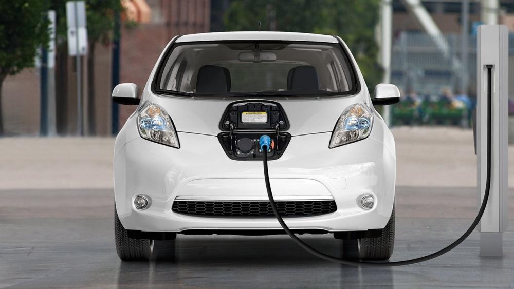 Vì sao ô tô điện nhiều ưu điểm nhưng chưa phổ biến?