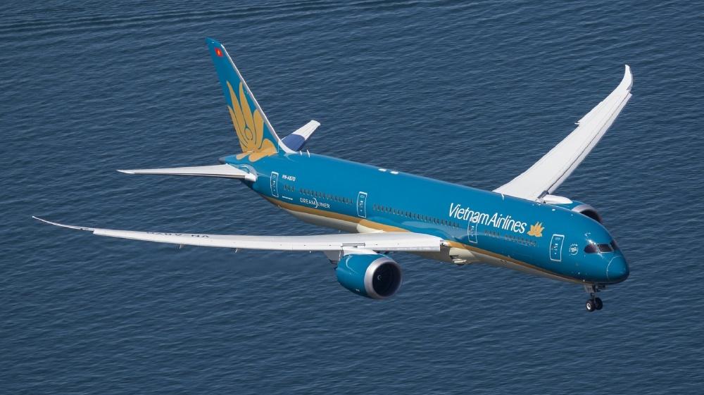 vietnam airlines lan dau tien vuot moc doanh thu 100000 ti dong
