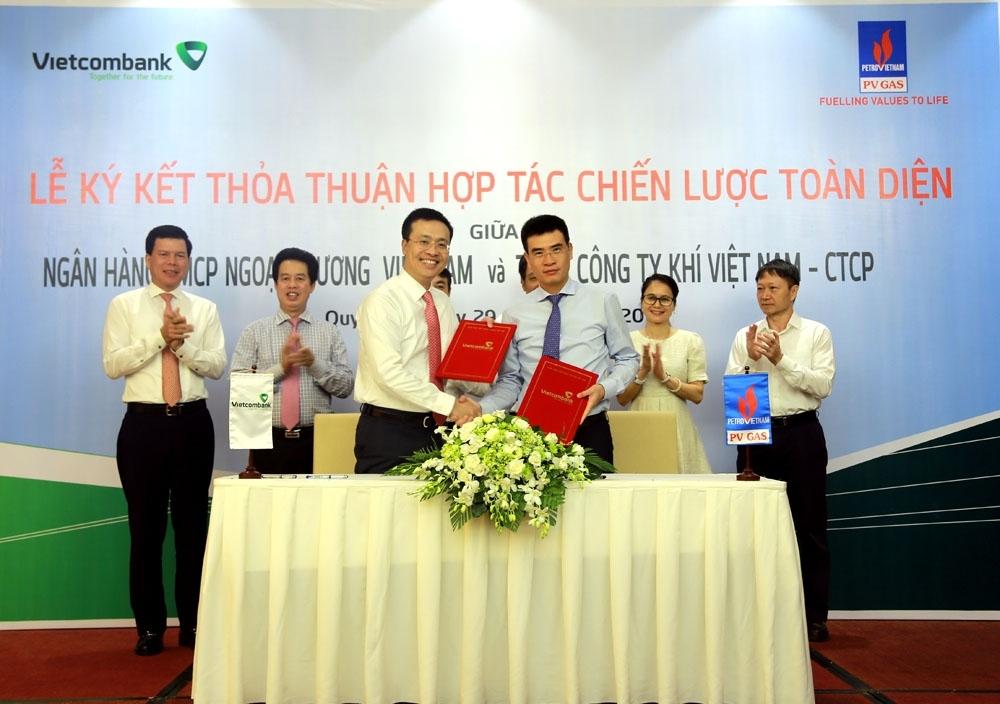 vietcombank se tai tro goi tin dung ngan han 4000 ty dong cho pv gas