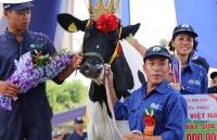 ban tin chung khoan doanh nghiep 1610 ong chien bo va nhung ti phu nong dan tai moc chau hang ban le sears pha san