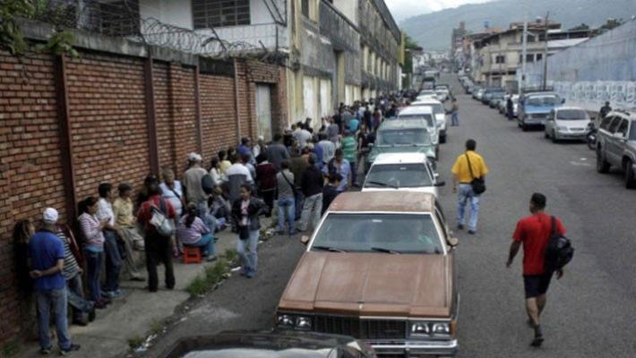 nghich ly thieu xang o vuong quoc dau lua venezuela