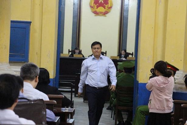 live xet xu pham cong danh sang 131 de nghi thu hoi 4500 ty dong tang von dieu le de giam thiet hai cho vncb