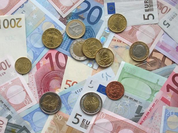 ty gia euro hom nay 311 euro trong nuoc bat ngo bat tang manh