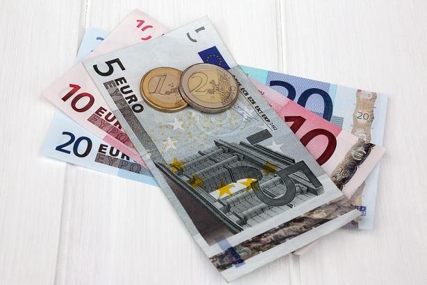 ty gia euro hom nay 122 euro ngan hang tiep tuc giam manh gia ban cho den giam ve 26250 vnd