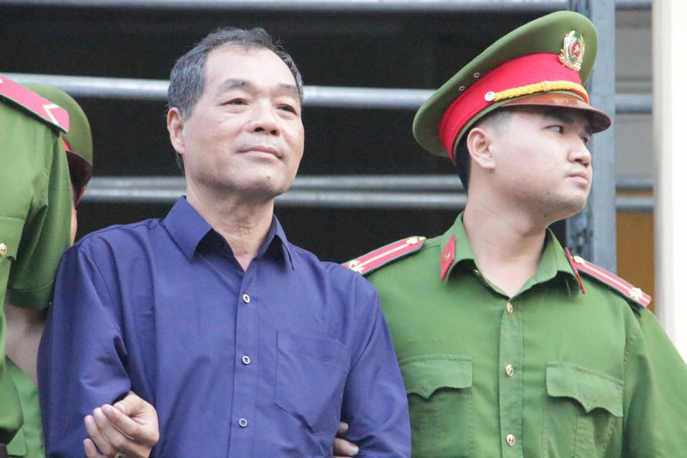 live xet xu pham cong danh chieu 317 dai dien sacombank cho rang thu hoi khoan 6100 ty la khong cong bang